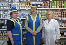 Russian store clerks