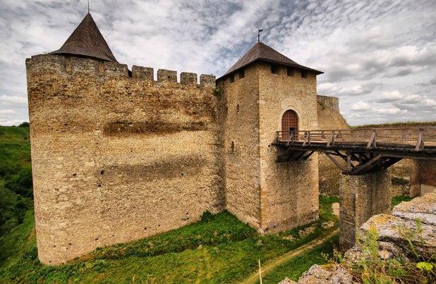 Khotyn Fortress entrance