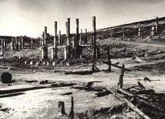 Hero City Murmansk in 1942